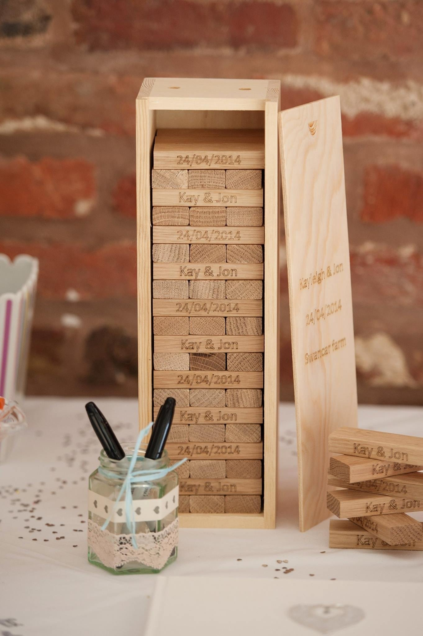 10 Most Recommended Alternative Wedding Guest Book Ideas 4 alternative wedding guest books to wow your guests