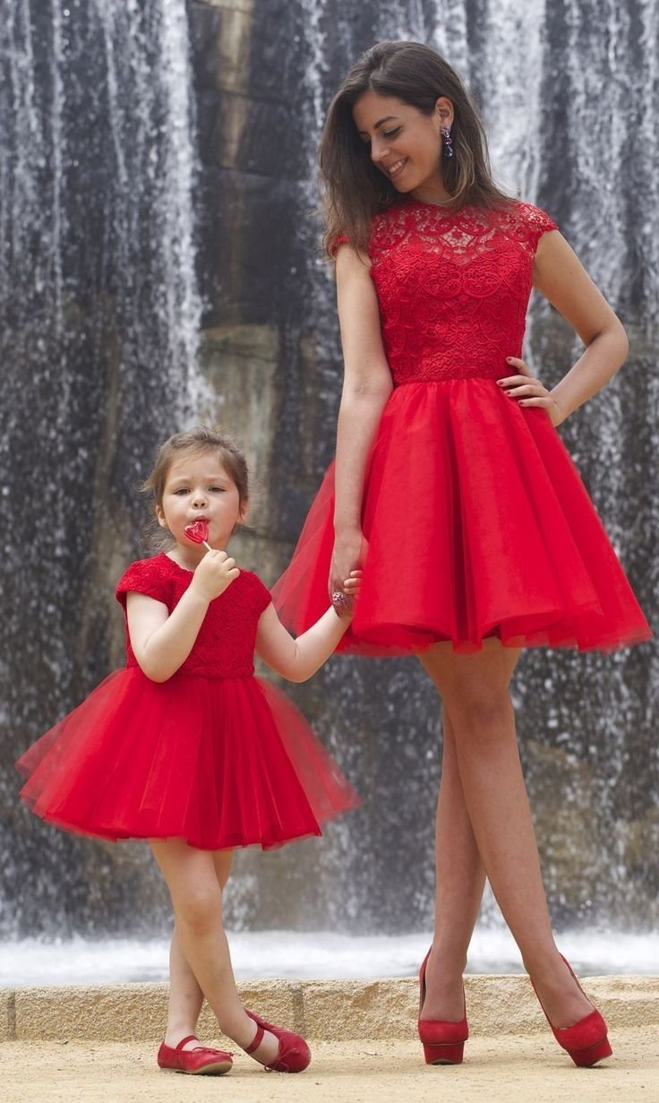 10 Spectacular Mother And Daughter Picture Ideas 40 adorable mother daughter outfits red skater dress gift and 2020