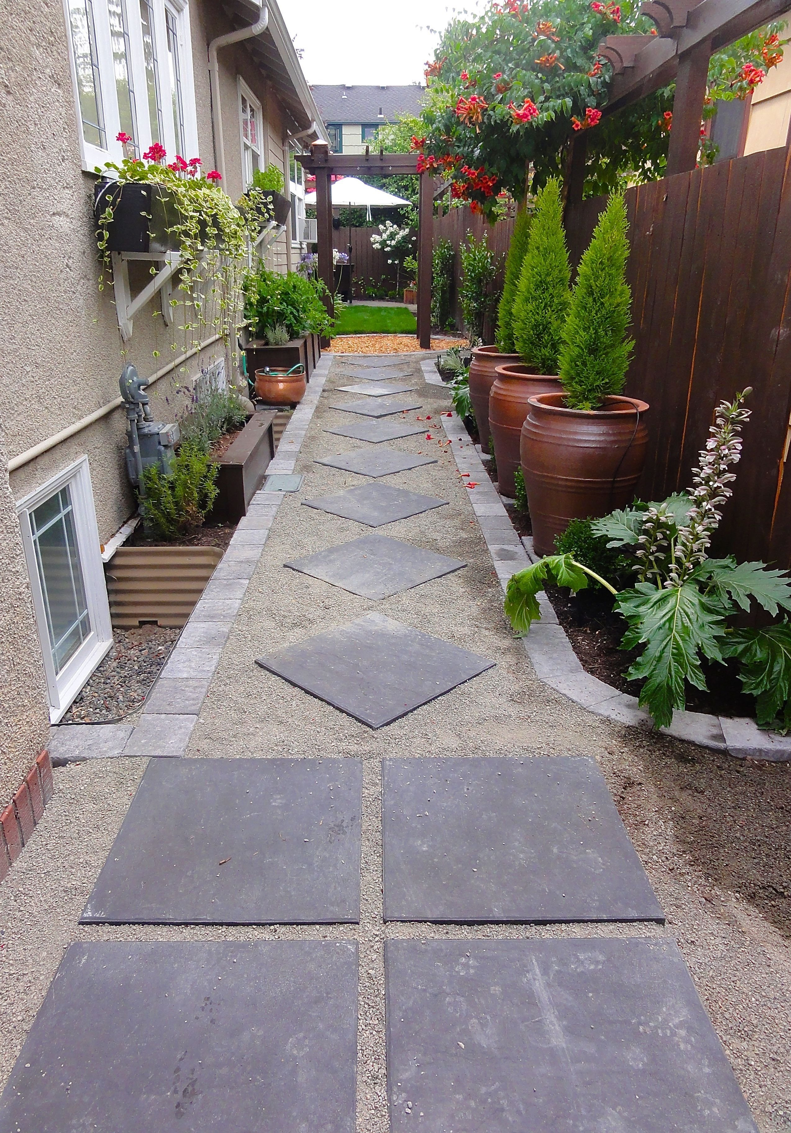 10 Awesome Backyard Ideas For Small Yards 40 incredible small garden for small backyard ideas small gardens 2020