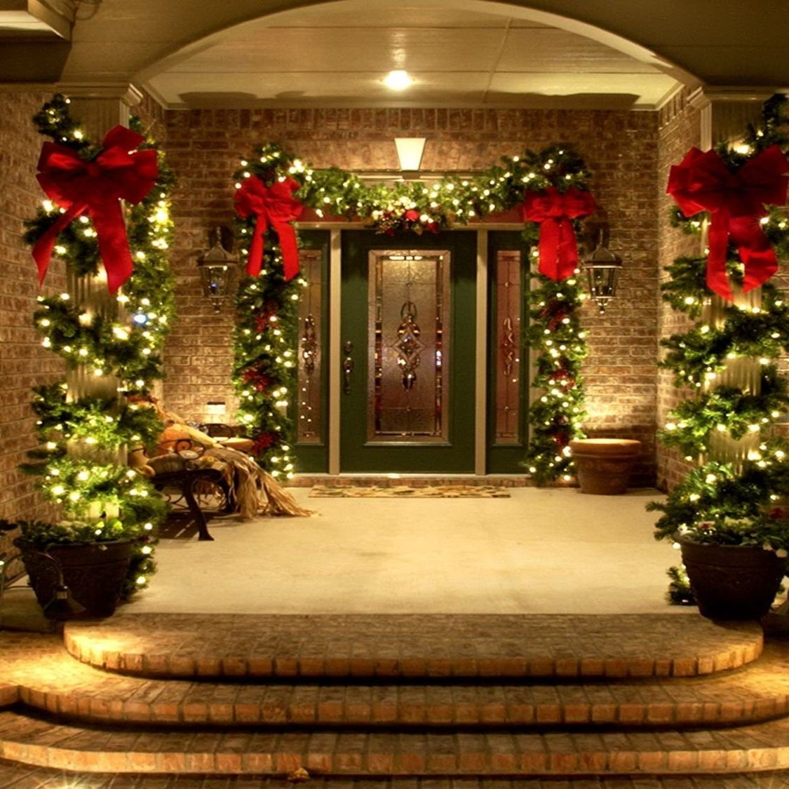 10 Lovable Outdoor Decorating Ideas For Christmas 46 beautiful christmas porch decorating ideas christmas porch
