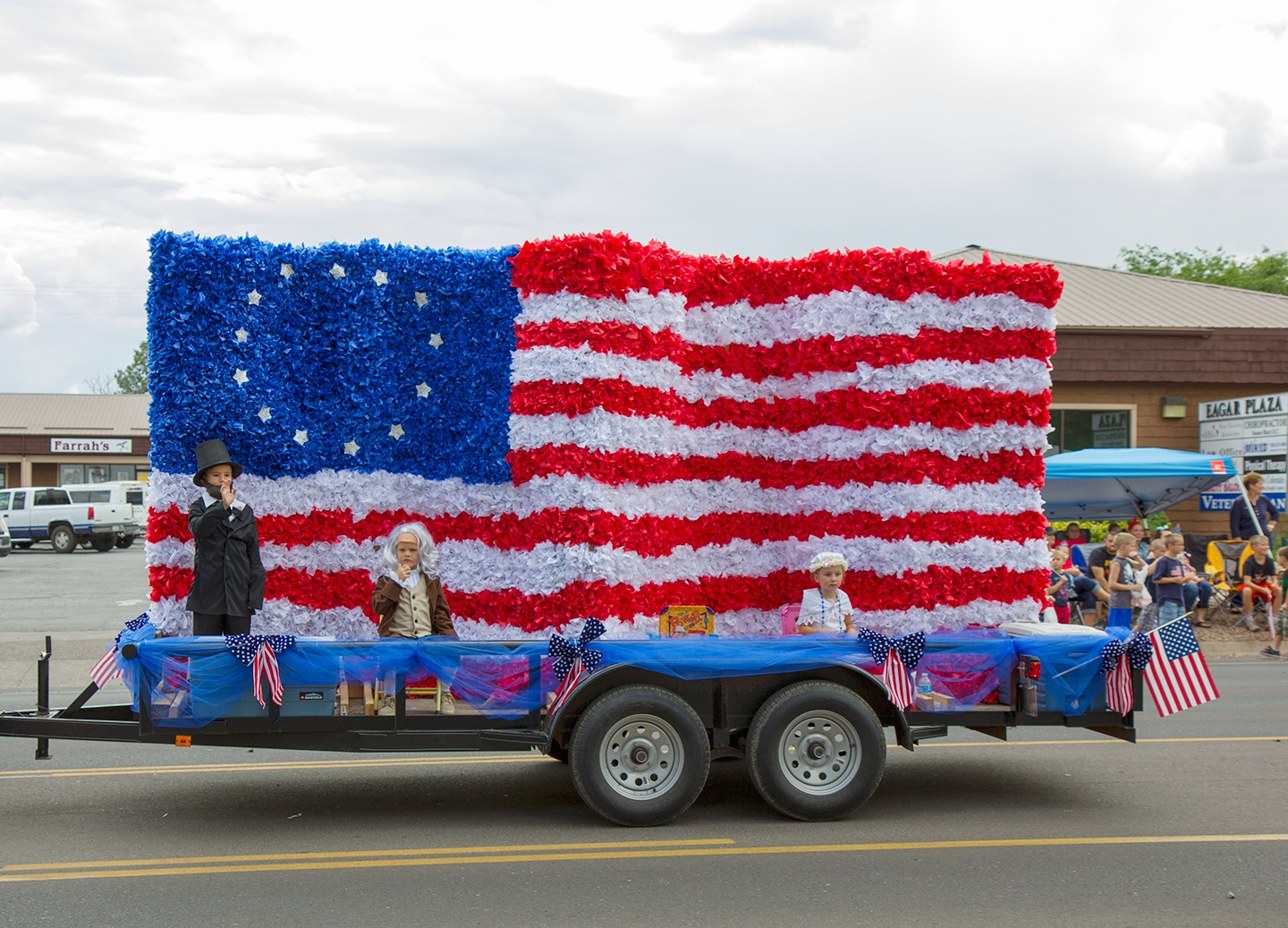 10 Spectacular Fourth Of July Float Ideas 4th of july small town parades girl scout badges scout badges 2021