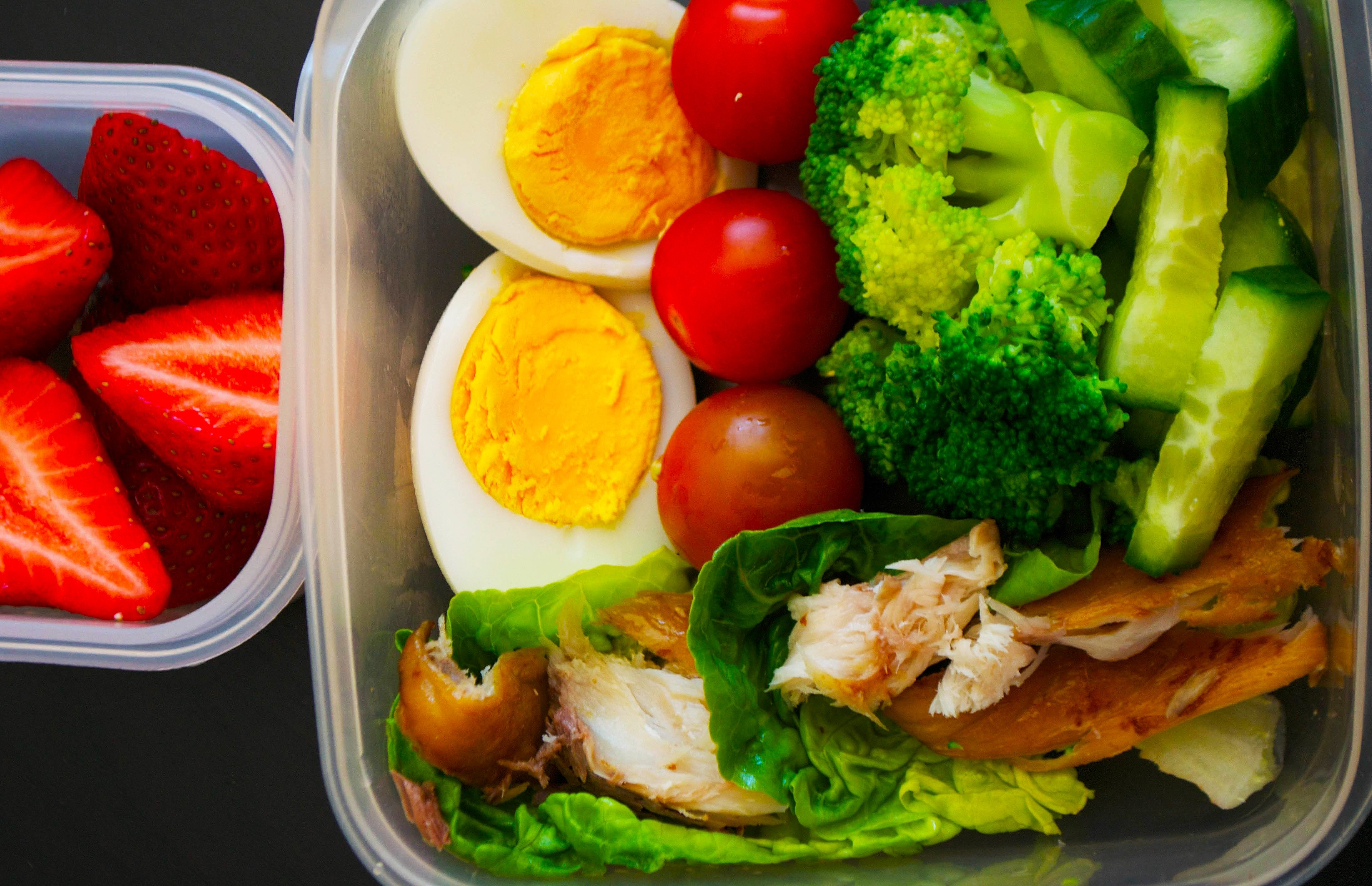10 Best Paleo Lunch Ideas At Work 5 days of paleo packed lunches for kids and adults tooprimal eye 1