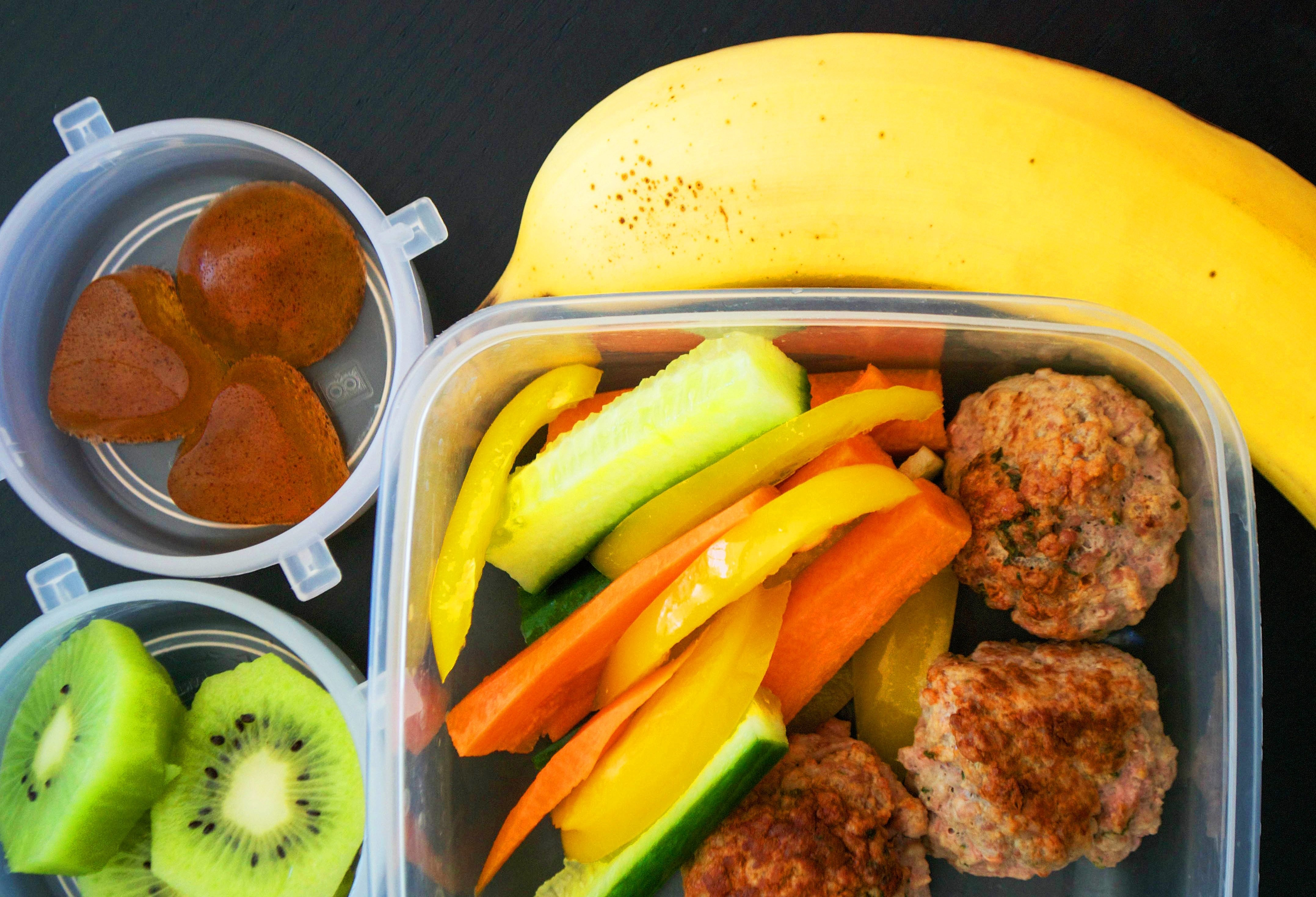 10 Wonderful Paleo Lunch Ideas For Kids 5 days of paleo packed lunches for kids and adults tooprimal eye 3 2021