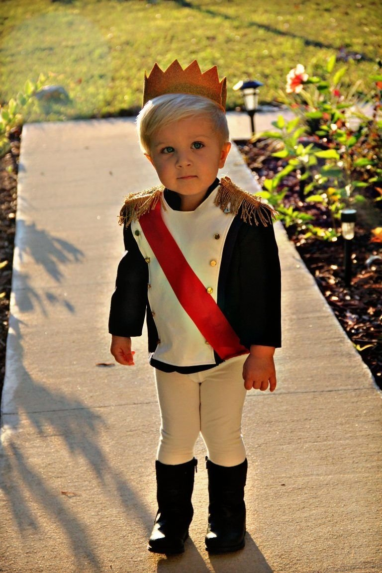 10 Gorgeous Halloween Costumes Ideas For Kids 5 infant toddler costumes that are so cute prince costume 2 2021