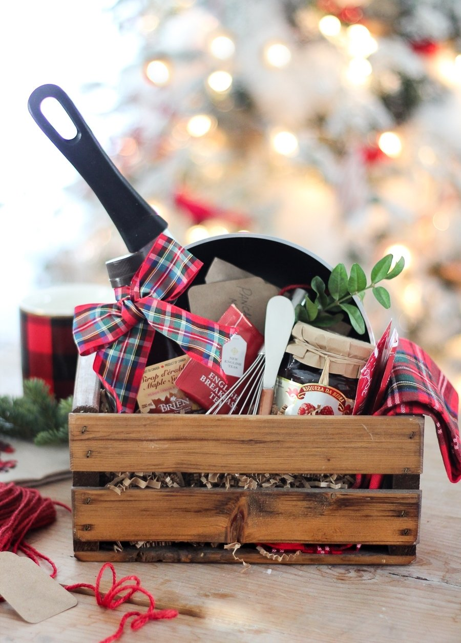 10 Great Homemade Holiday Gift Basket Ideas 50 diy gift baskets to inspire all kinds of gifts 2020