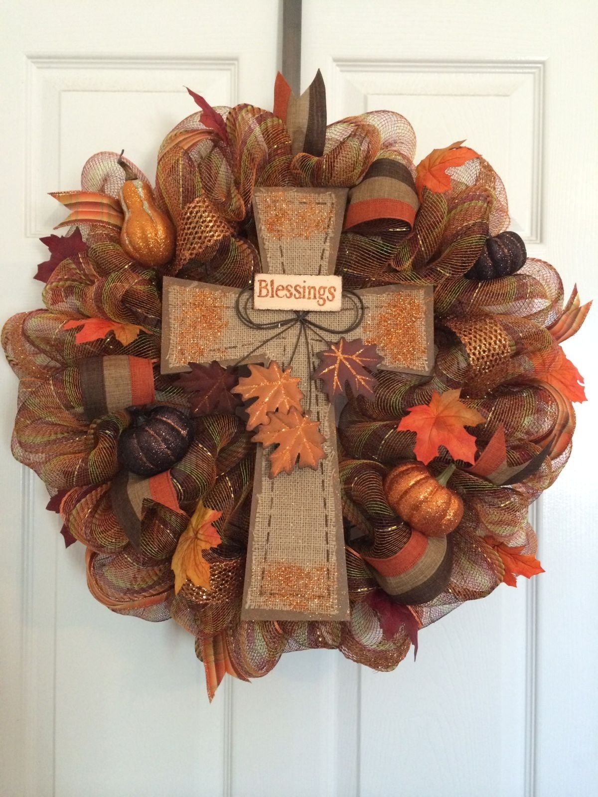 10 Fantastic Fall Wreath Ideas With Deco Mesh 55 awesome wreaths to adorn your front door fall deco mesh 2