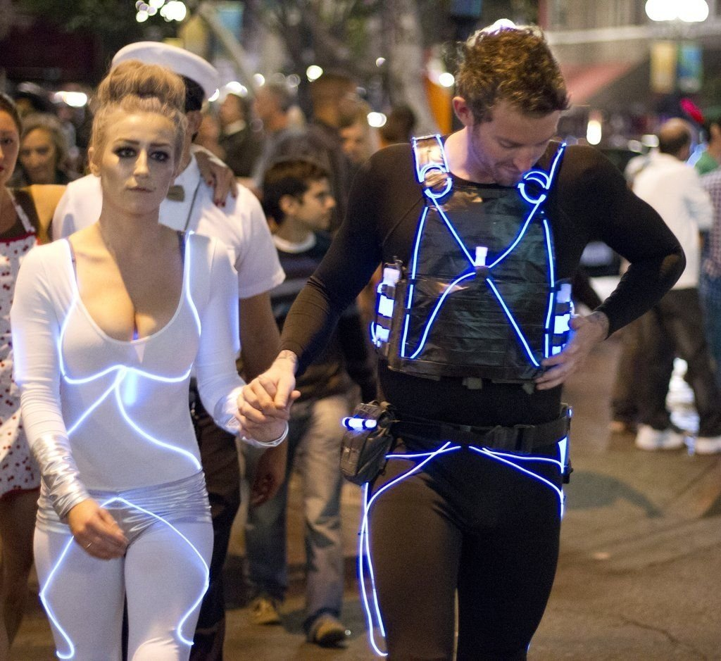 10 Amazing Great Costume Ideas For Couples 57 cheap and original diy couples halloween costumes cheap