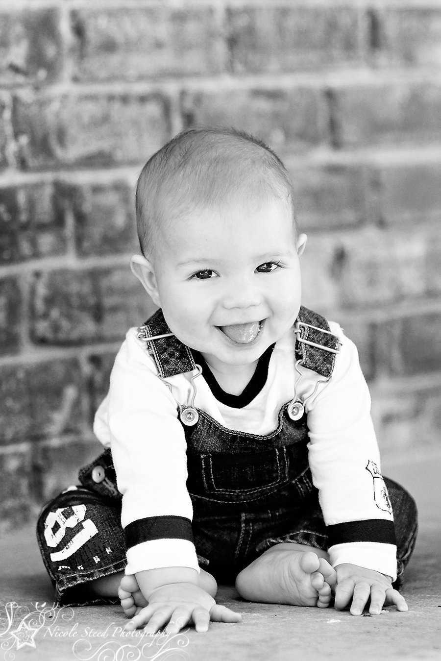 10 Stunning 6 Month Old Photo Ideas 6 month old photo ideas months b is a sweet and absolutely 2021