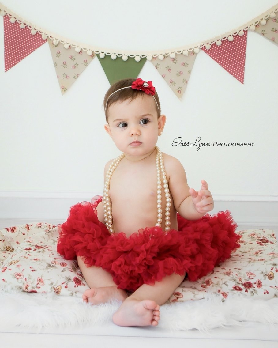 10 Attractive 6 Month Photo Shoot Ideas Girl 6 months photo shoot 6 months old baby photo ideas 6 months old