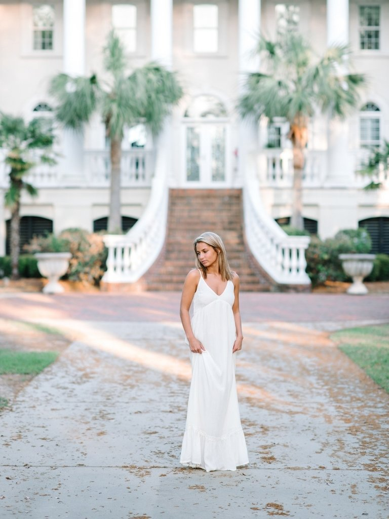 10 Perfect Senior Picture Outfit Ideas For Girls 6 stunning white dress ideas for charleston senior photography session 2