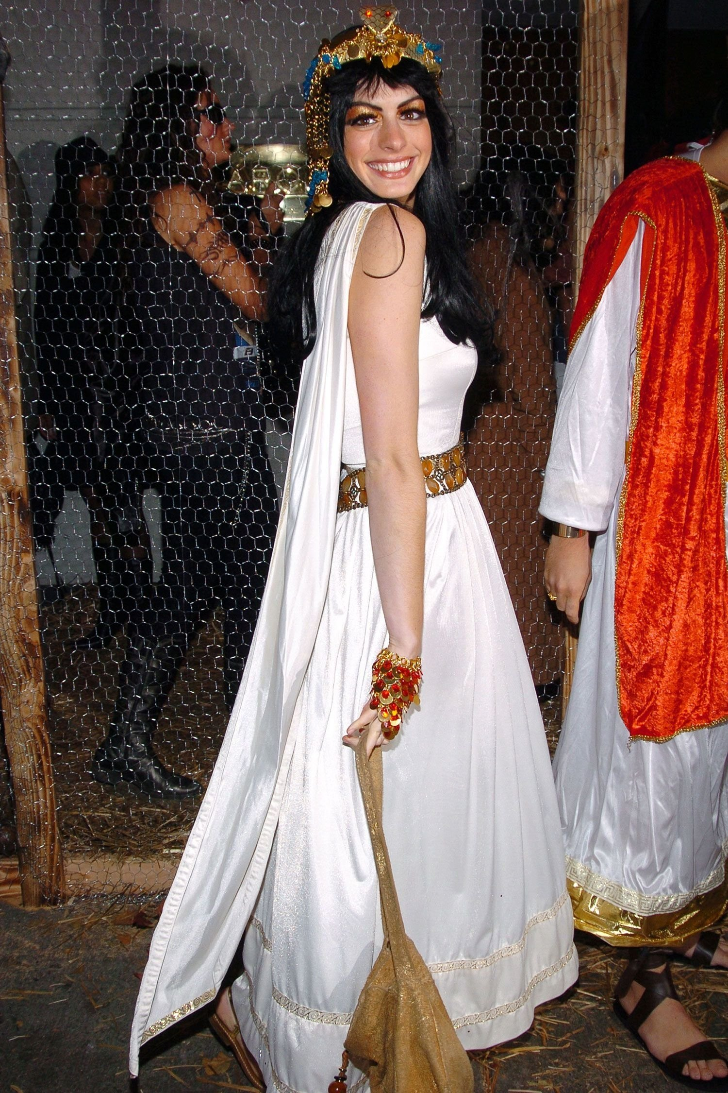 10 fashionable great ideas for halloween costumes 60 epic celebrity halloween costume ideas egyptian goddess 1