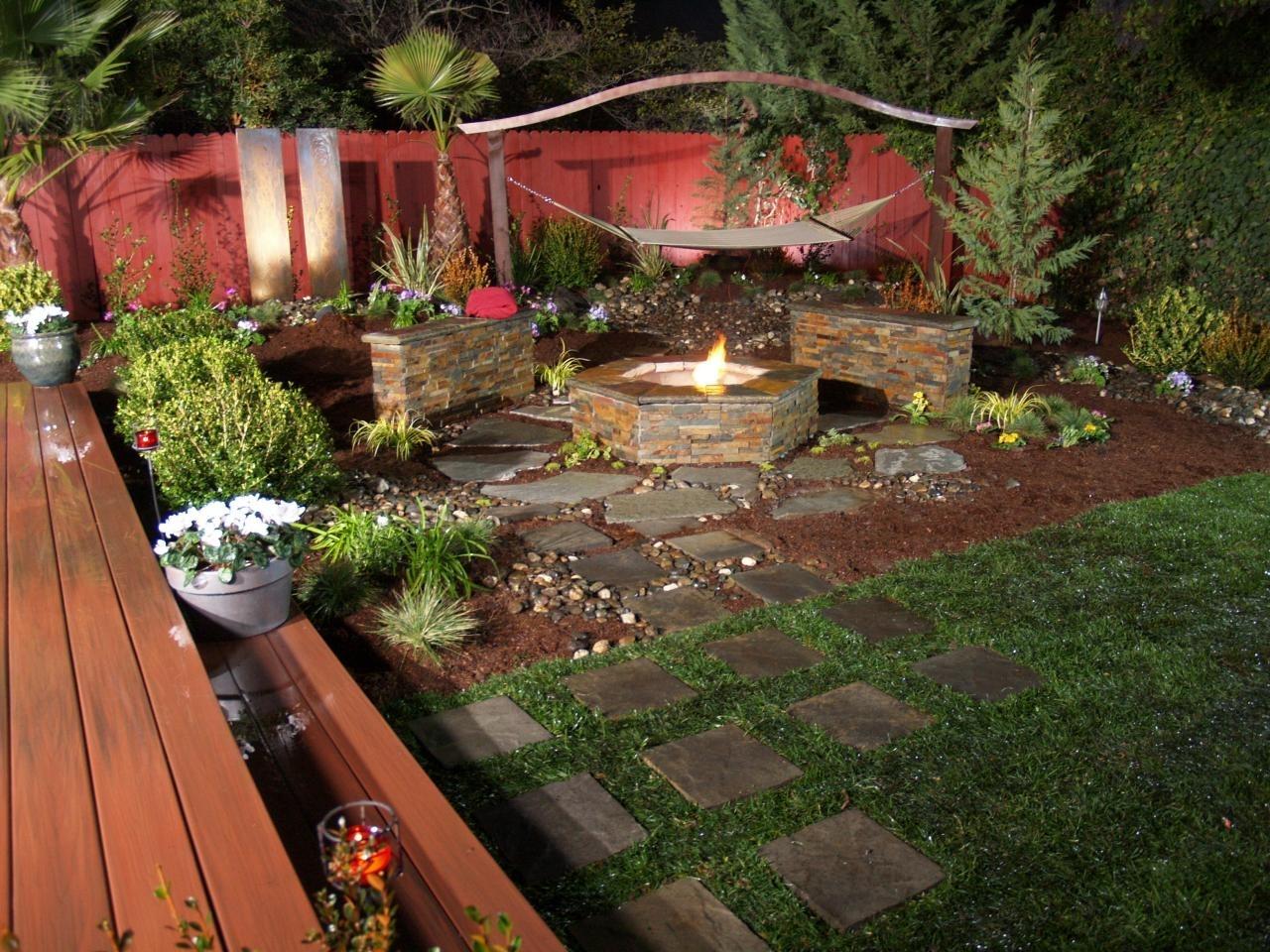 10 Beautiful Simple Backyard Fire Pit Ideas %name 2021