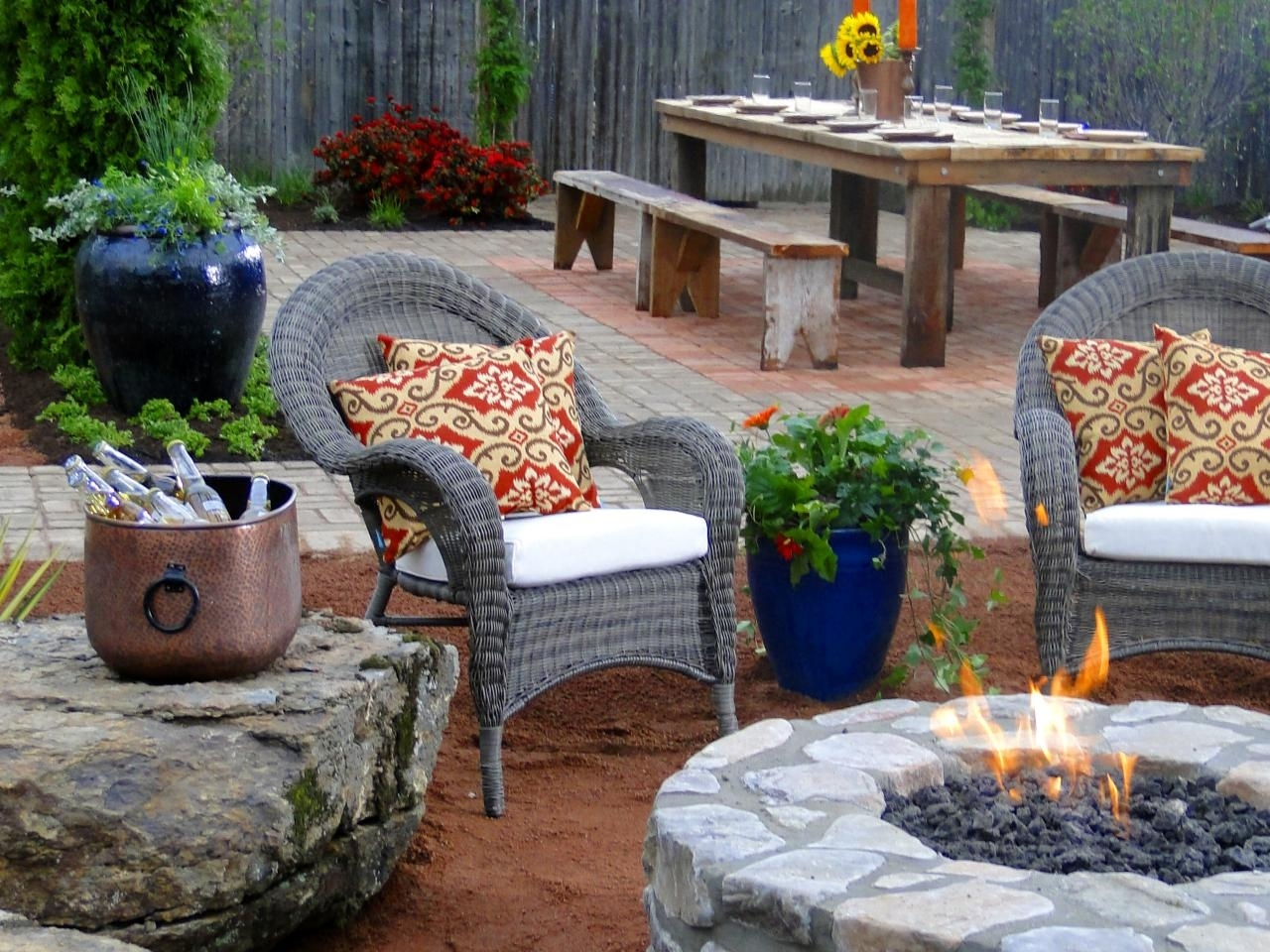 10 Fashionable Homemade Outdoor Fire Pit Ideas %name 2021