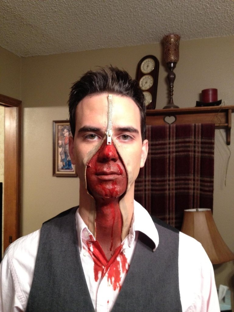10 Fabulous Easy Costume Ideas For Men 66 wildly creative diy costumes for men zipper face diy costumes 4 2020