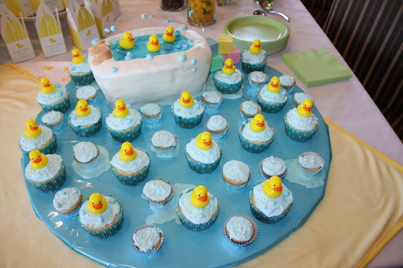 10 Wonderful Cheap Baby Shower Ideas For Boys 70 baby shower cakes and cupcakes ideas 3