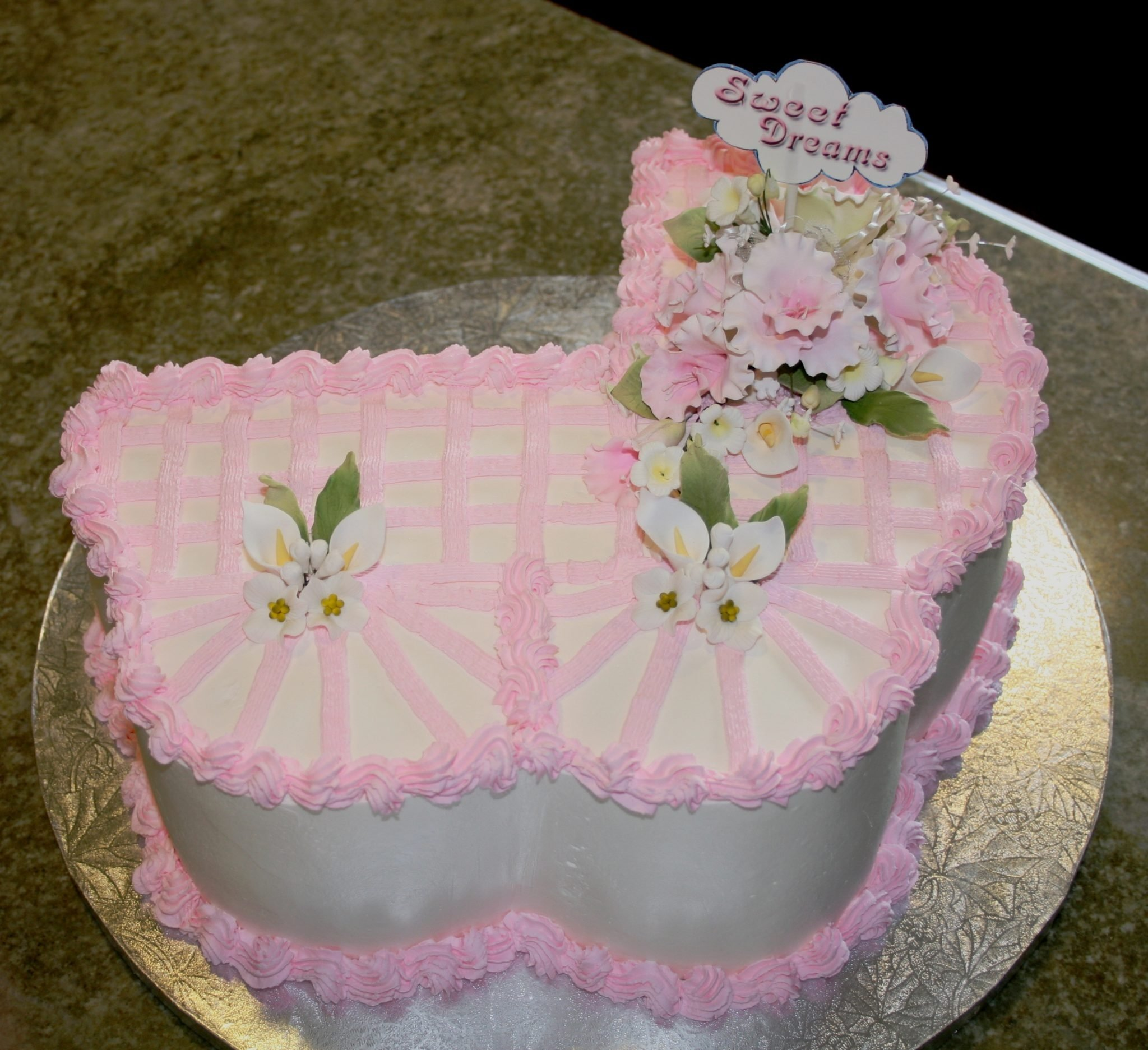 10 Stunning Baby Shower Cake Ideas For A Girl 70 baby shower cakes and cupcakes ideas 7 2021