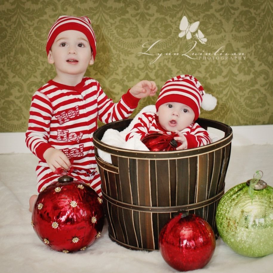 10 Trendy Family Christmas Photo Ideas With Baby 71 christmas family photo ideas family christmas photo ideas cute 2020