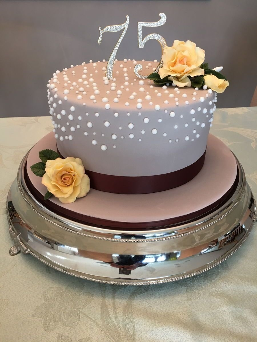 10 Stunning 75Th Birthday Ideas For Mom 75th Cake On Central Pinteres