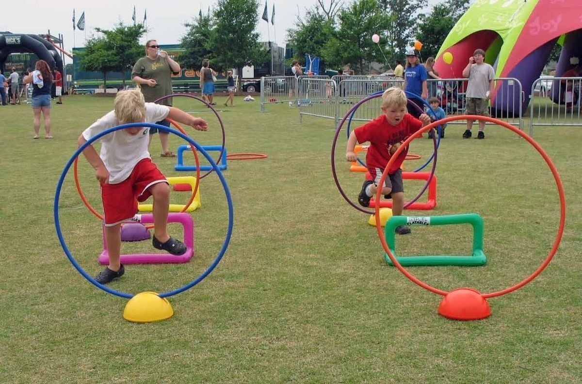 10 Fashionable Obstacle Course Ideas For Kids 7d824713419296ac1d924460481f853c 1200x792 pixels obstacle 1 2021