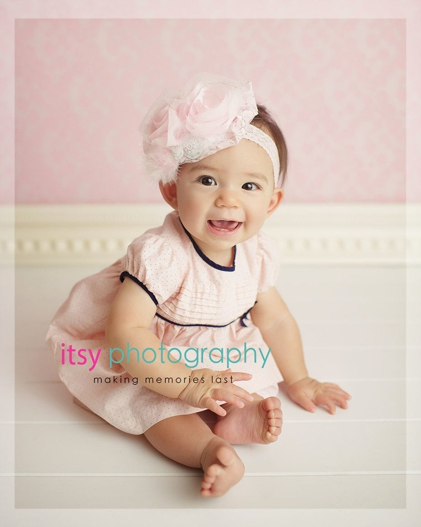10 Attractive 4 Month Old Baby Picture Ideas 8 month old baby girl photo posing ideas 2020