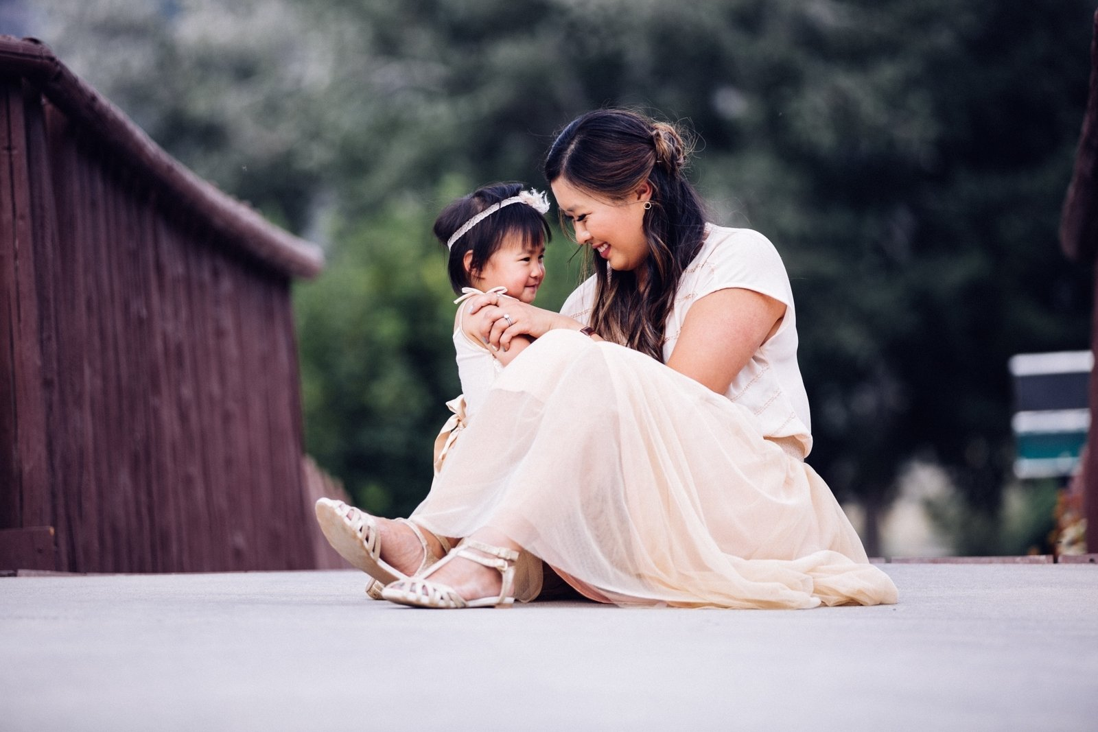 10 Spectacular Mother And Daughter Picture Ideas 8 mother daughter date ideas linkup sandyalamode 2020