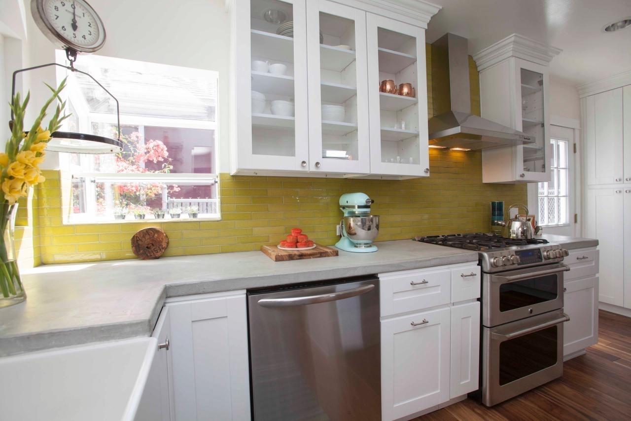 10 Stylish Cabinet Ideas For Small Kitchens %name