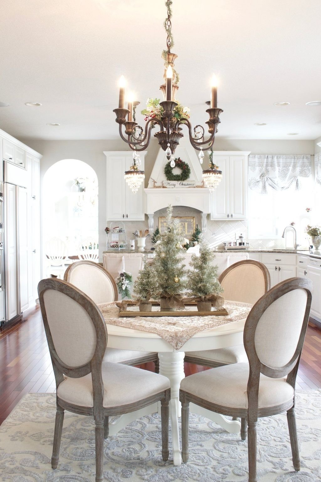 10 Perfect French Country Dining Room Ideas 80 amazing french country dining room decor ideas decoremodel 2021