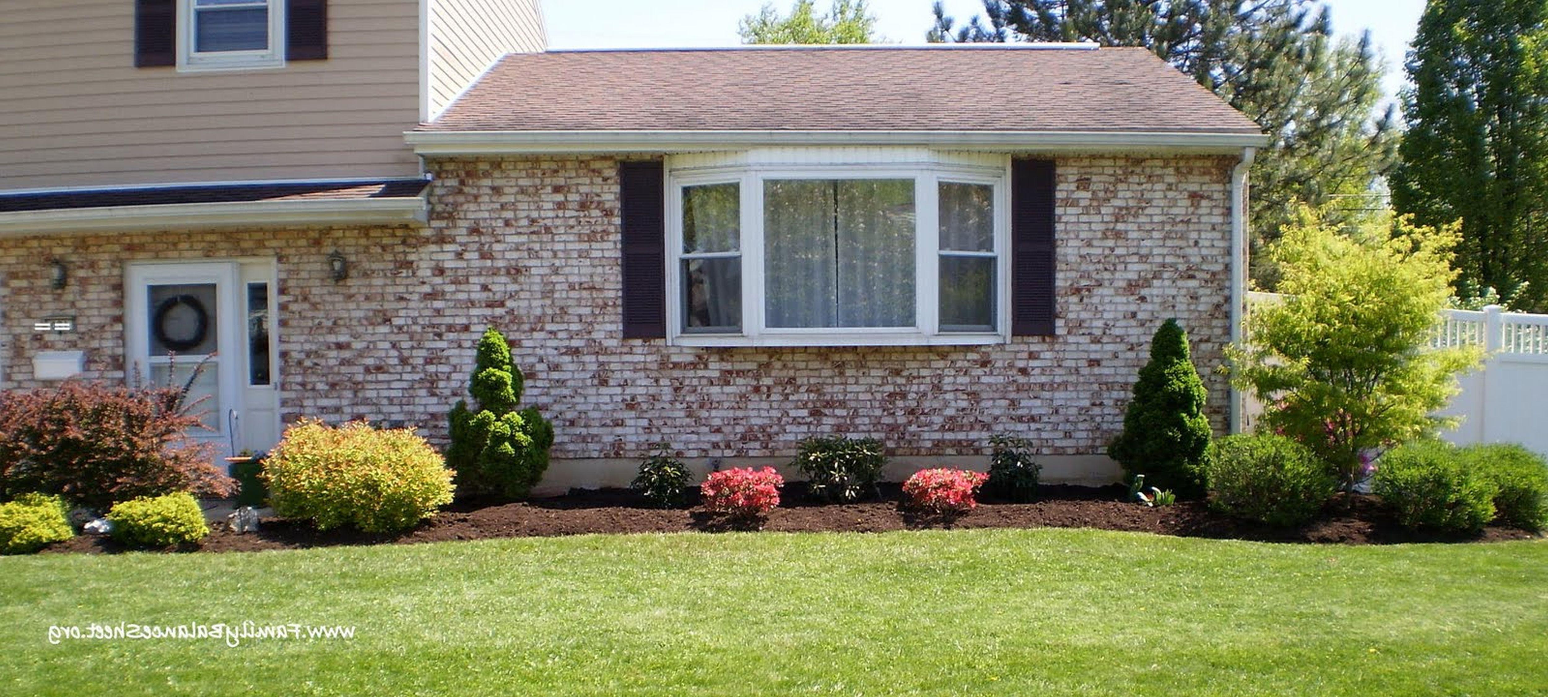10 Awesome Landscaping Ideas For Split Level Homes 98 simple landscaping ideas for ranch style home garden garden 2020