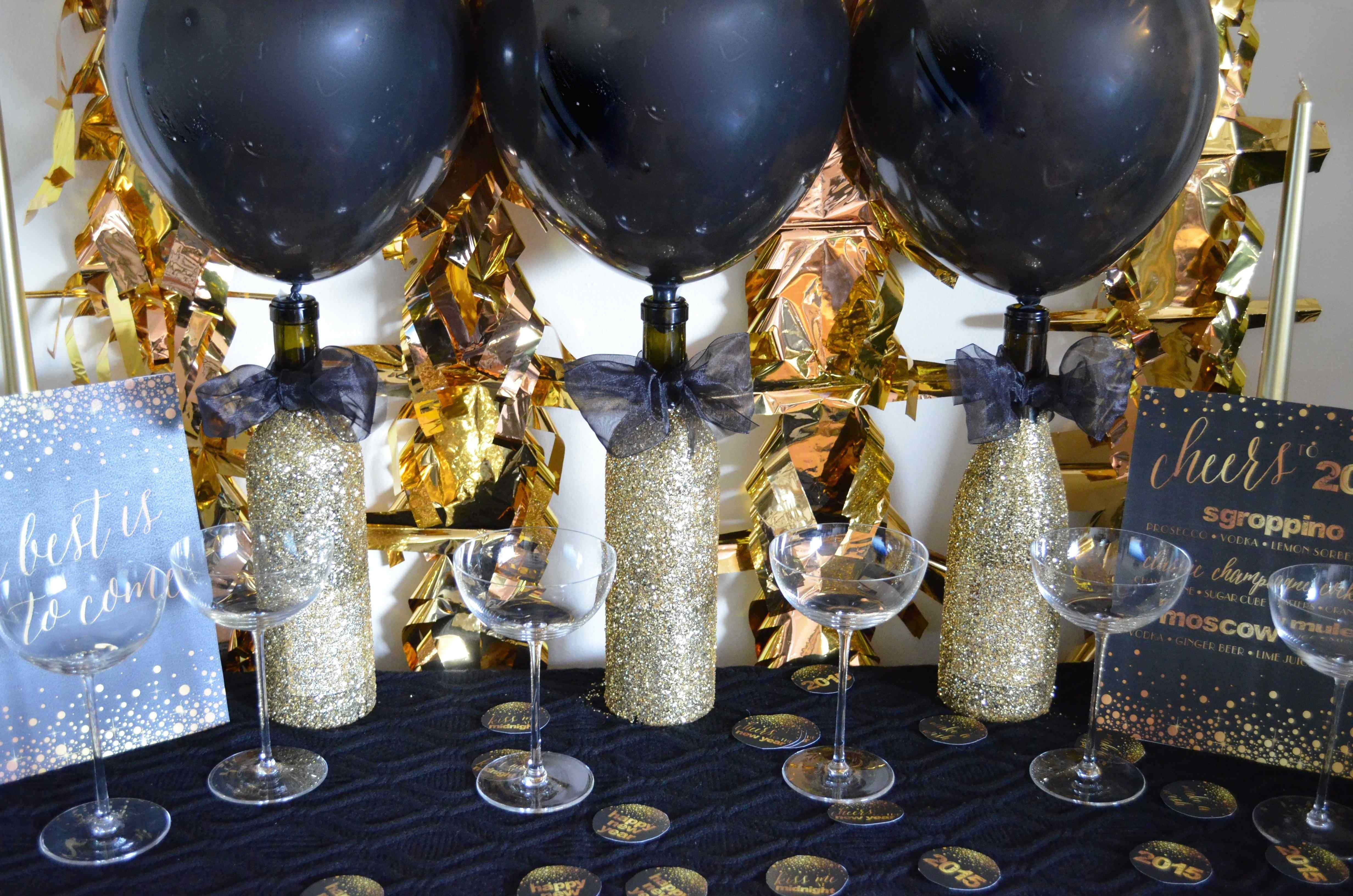 10 Beautiful New Years Eve Decorating Ideas a golden year new years eve 2015 diy decor from scratch with 2020
