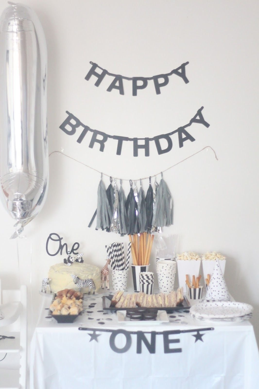 10 Beautiful Simple First Birthday Party Ideas a monochrome first birthday party monochrome birthdays and 2020