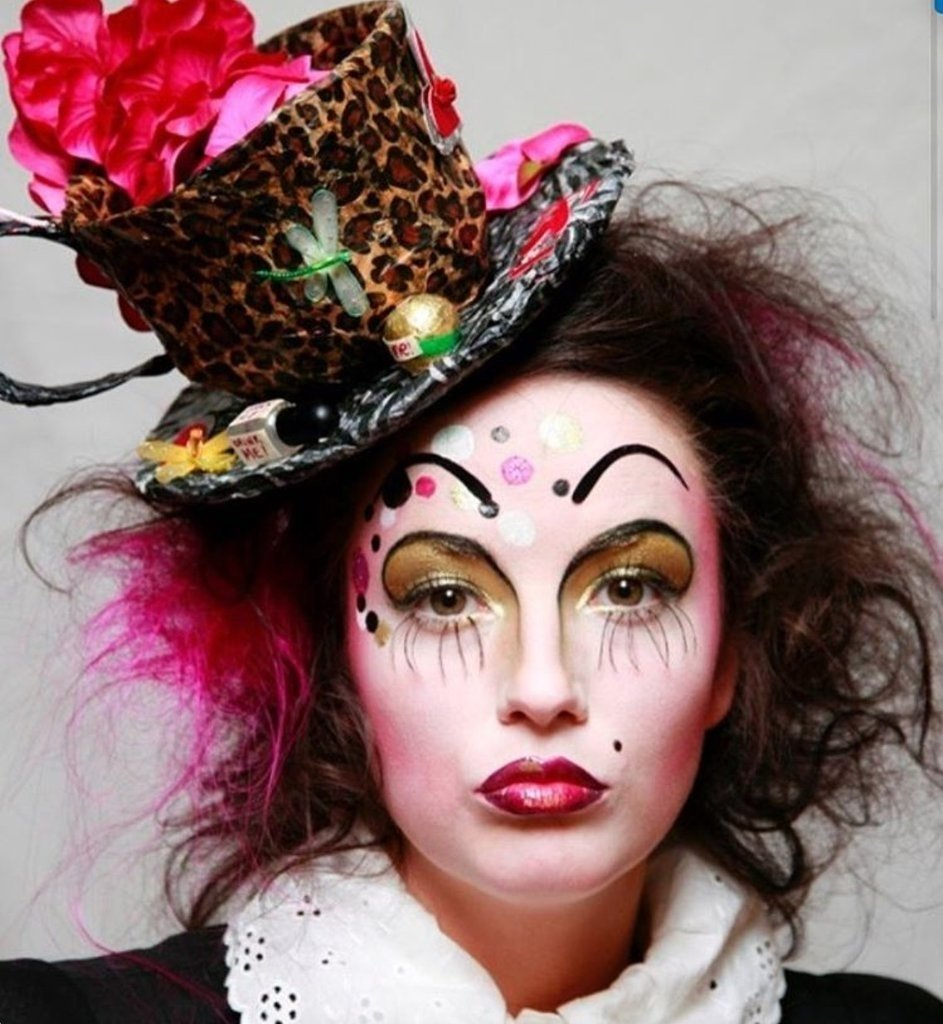 10 Great Alice In Wonderland Makeup Ideas alice in wonderland halloween makeup ideas popsugar beauty australia 1 2020