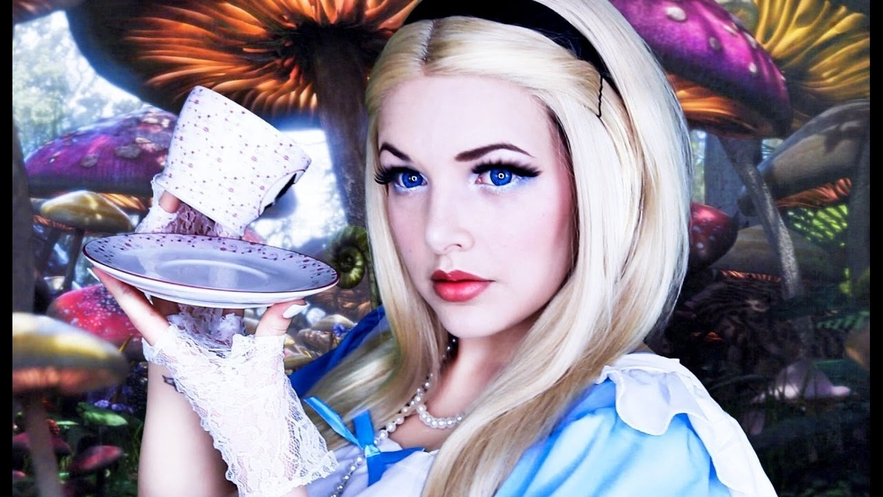 10 Great Alice In Wonderland Makeup Ideas alice in wonderland halloween makeup tutorial cherry wallis 2020