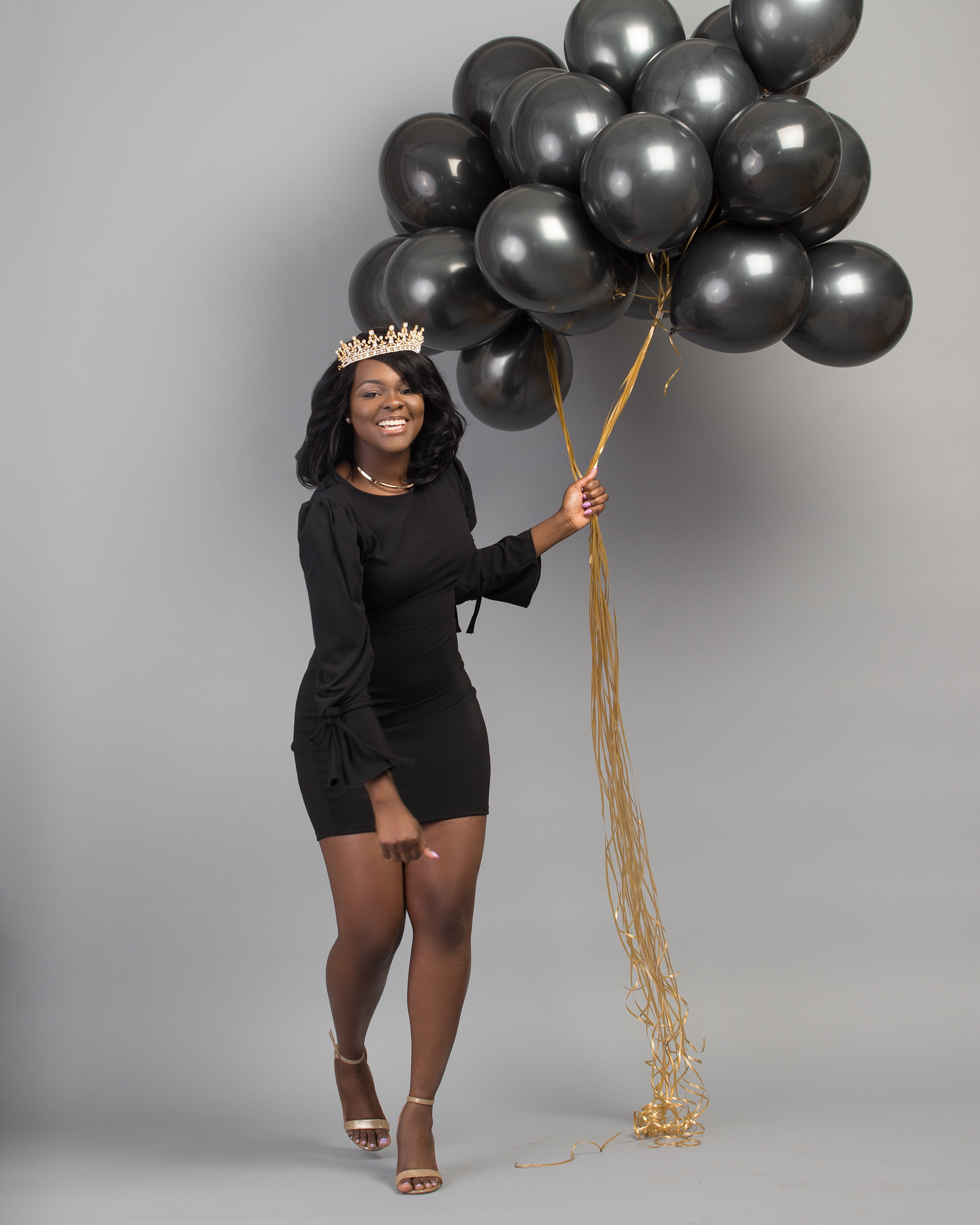 10 Stylish Photo Shoot Birthday Party Ideas all black with a touch of gold 25th birthday photoshoot my 25th