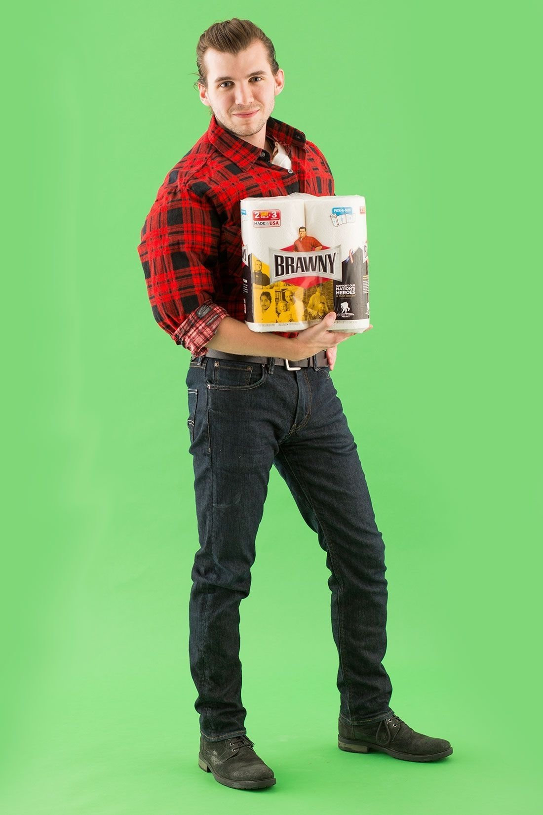 10 Attractive Easy Halloween Costume Ideas Men all you really need is a flannel shirt to turn into the brawny man 2