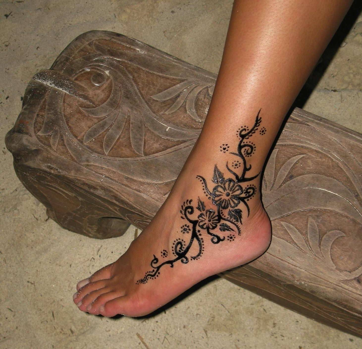 10 Great Ankle Tattoo Cover Up Ideas amazing ankle tattoos best tattoo design
