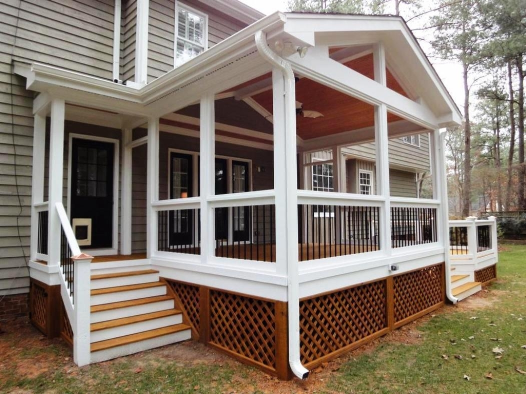 10 Fantastic Screened In Back Porch Ideas %name 2021