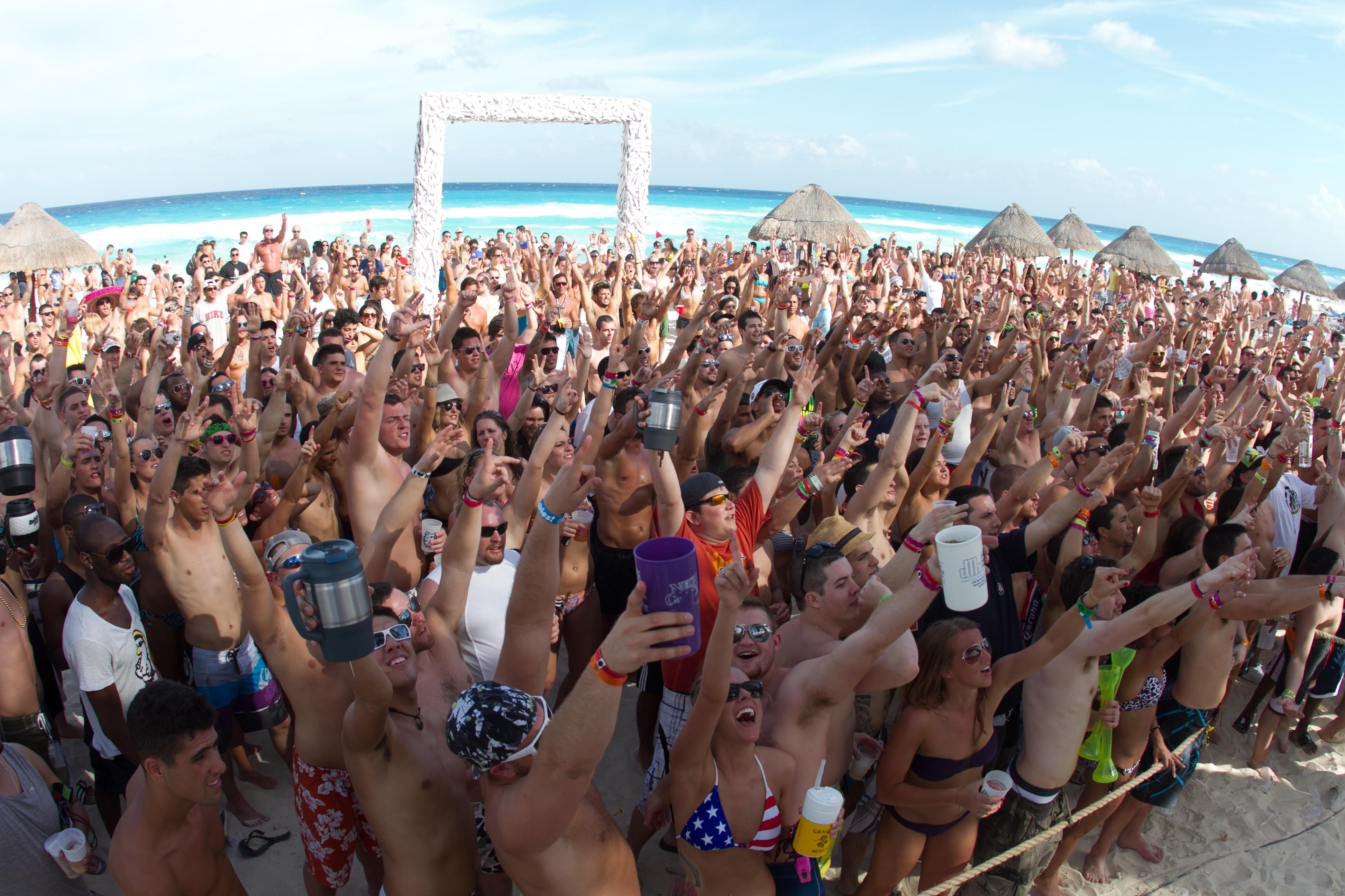 10 Perfect Spring Break Ideas For College Students american spring break cancun studentcity blog 2020