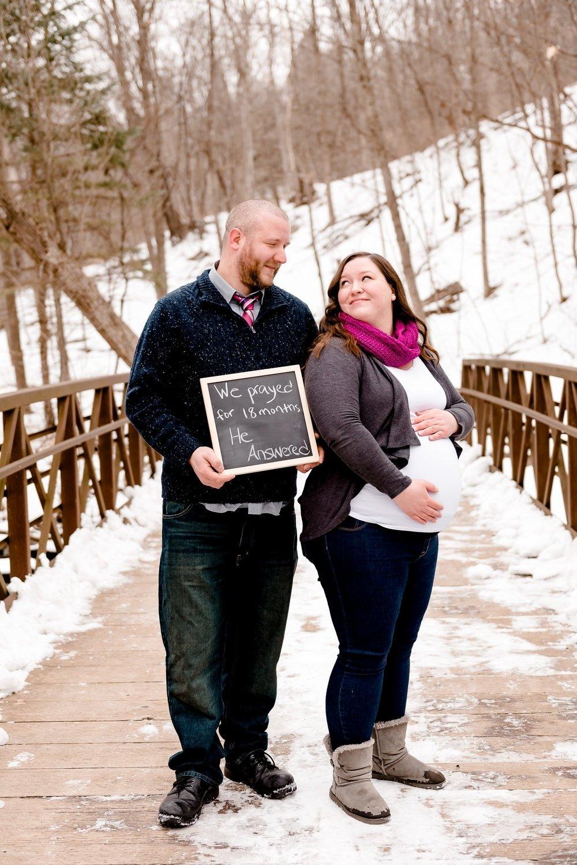 10 Most Popular Winter Maternity Photo Shoot Ideas Anna Joe Waiting For Baby Linnie Nine Mile