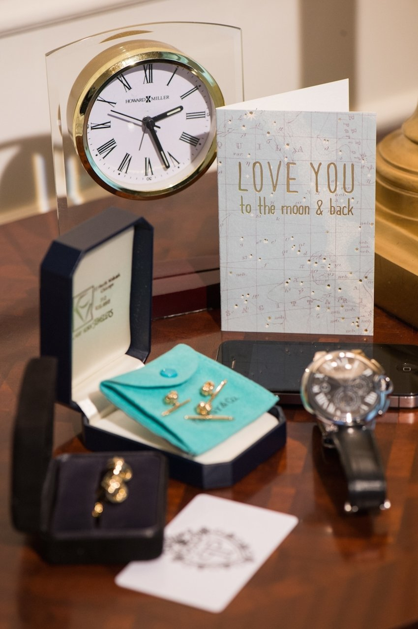 anniversary gift ideas for your first wedding anniversary - inside