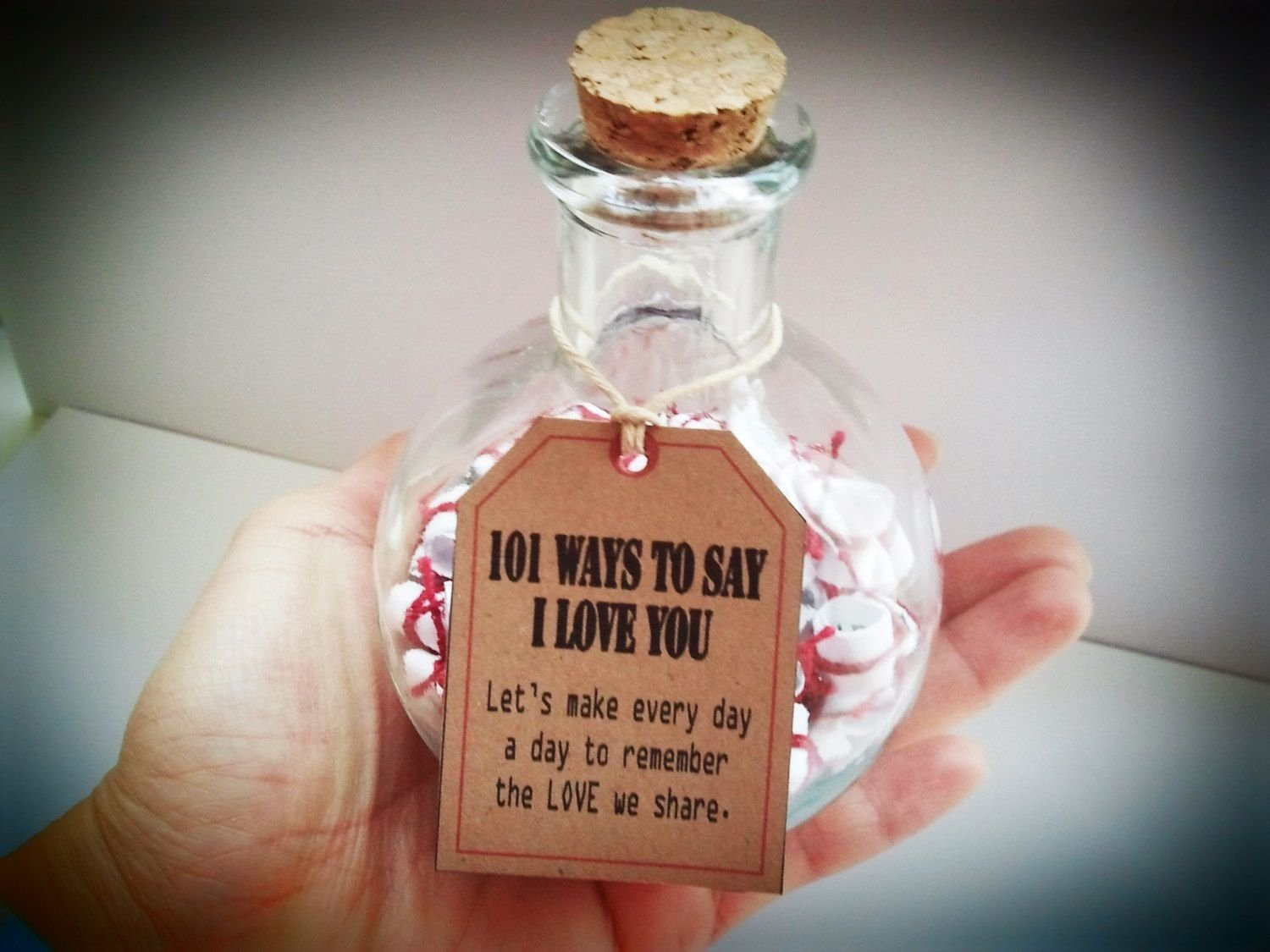10 Most Recommended Creative Gift Ideas For Wife anniversary gifts gift of love 101 ways to say i love you 1 2021