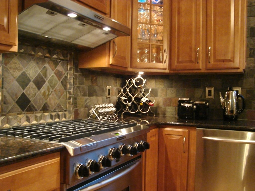 10 Gorgeous Ideas For Kitchen Backsplash With Granite Countertops appealing ceramic kitchen tile backsplash with solid wood cabinets 2020
