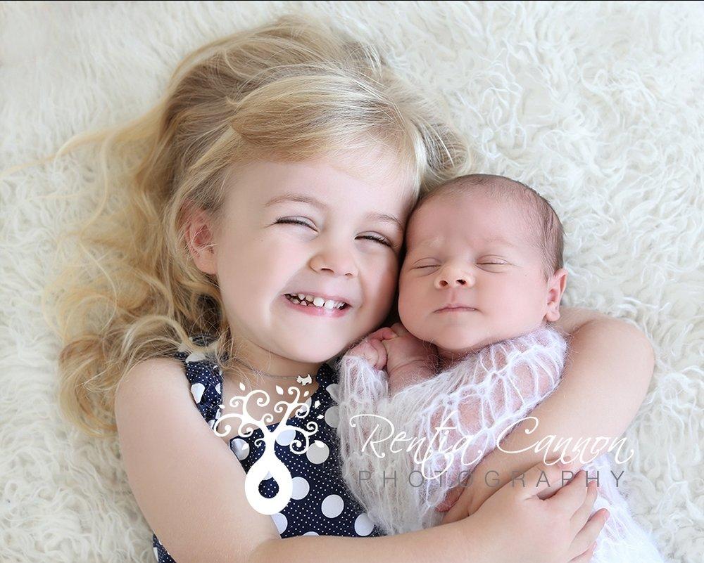 10 Stylish Newborn Photo Ideas With Siblings awesome 3 girls sibling photo ideas with newborn collections photo 2 2020
