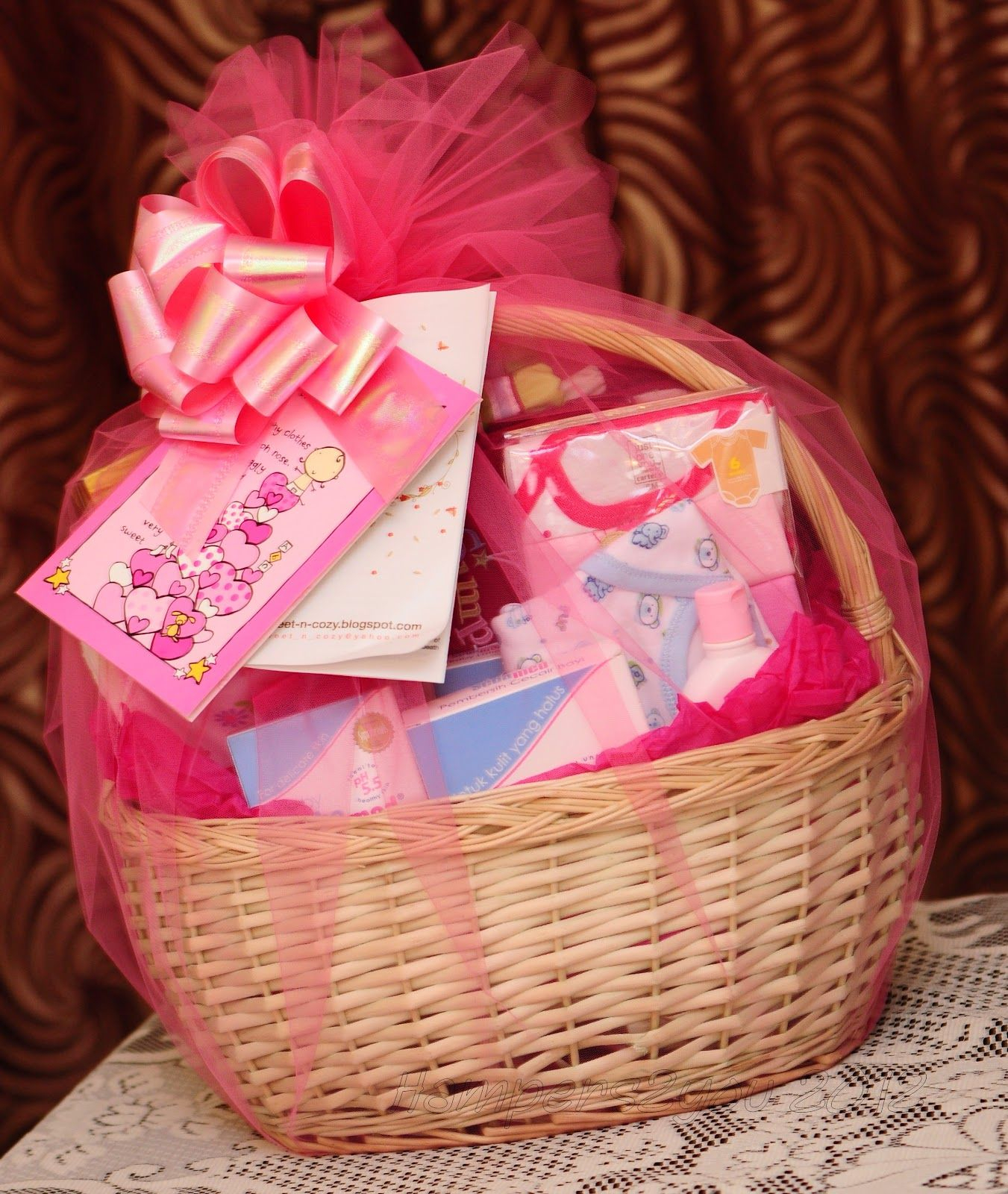 10 Unique New Born Baby Gift Ideas baby gift baskets hampers2you baby gift baskets for newborn girl 1