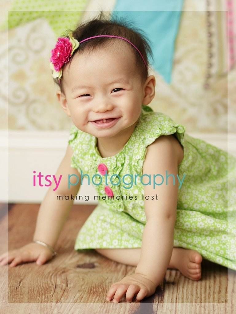 baby girl 9 month old photos posing ideas |