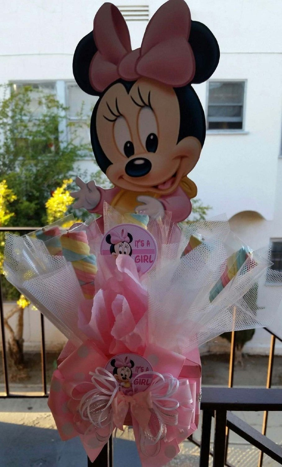 baby minnie mouse centerpiece with marshmallows, birthday party