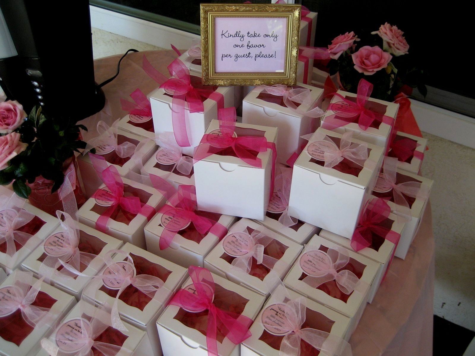 10 Lovable Baby Shower Favors Ideas To Make baby shower baby shower favor ideas for girl baby shower favors