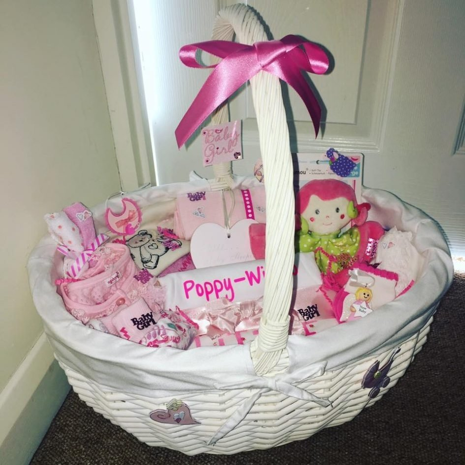 10 Lovable Baby Girl Gift Basket Ideas baby shower baby shower gift basket ideas lovely diy baby shower