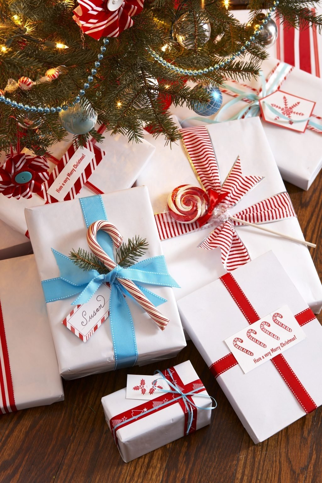 10 Unique Gift Wrapping Ideas For Christmas