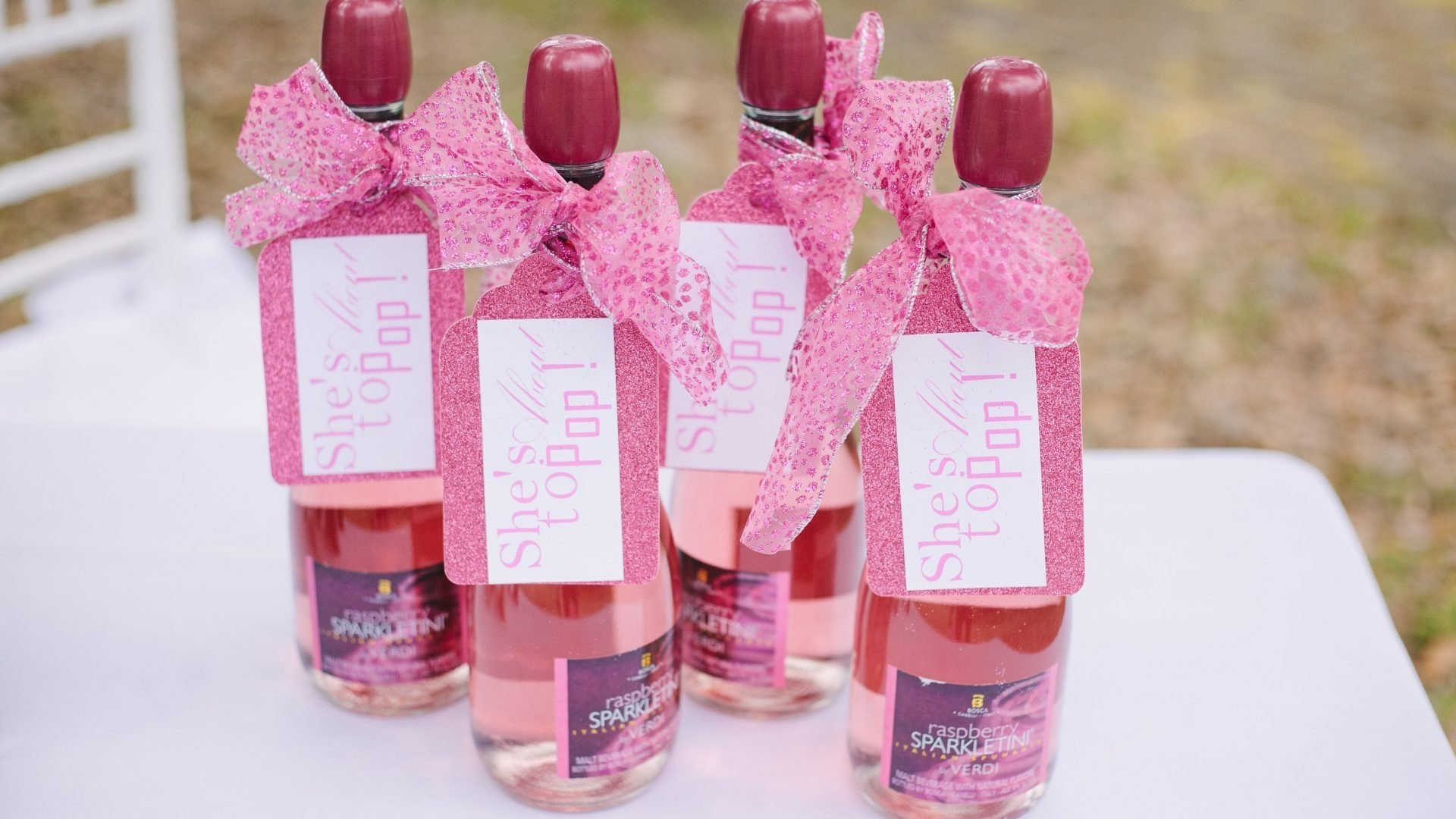 10 Pretty Baby Shower Game Gift Ideas For Guests baby showerme gifts for guests ideas winners cheap prizes and favors 2021