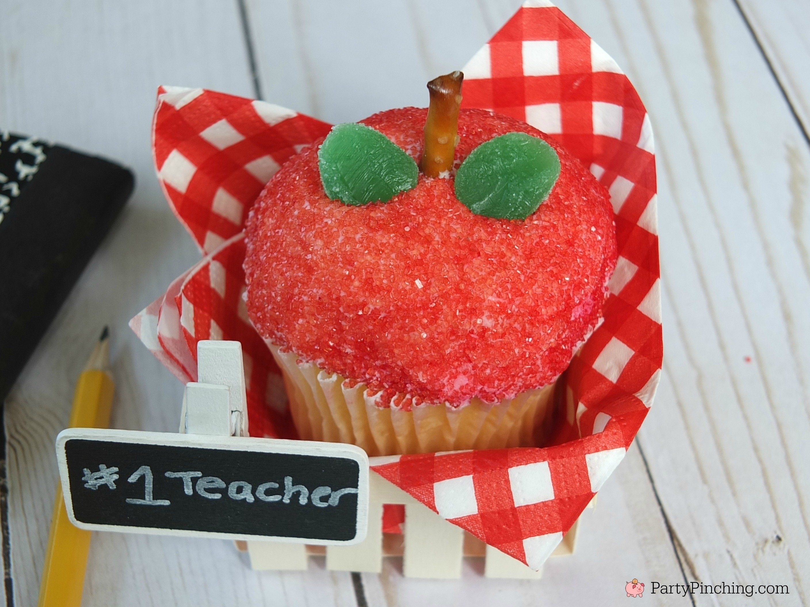 10 Lovely Back To School Cupcake Ideas back to school apple cupcakes cute and easy for kids to make teacher 2020